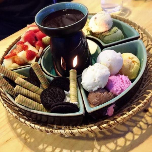 Lẩu kem Nha Trang nè pà kon