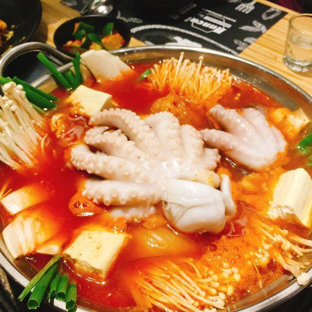 Octobar – Địa chỉ ăn lẩu ngon rẻ ở Hà Nội