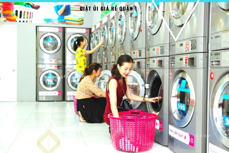 Tiệm giặt ủi gần đây ở quận 1