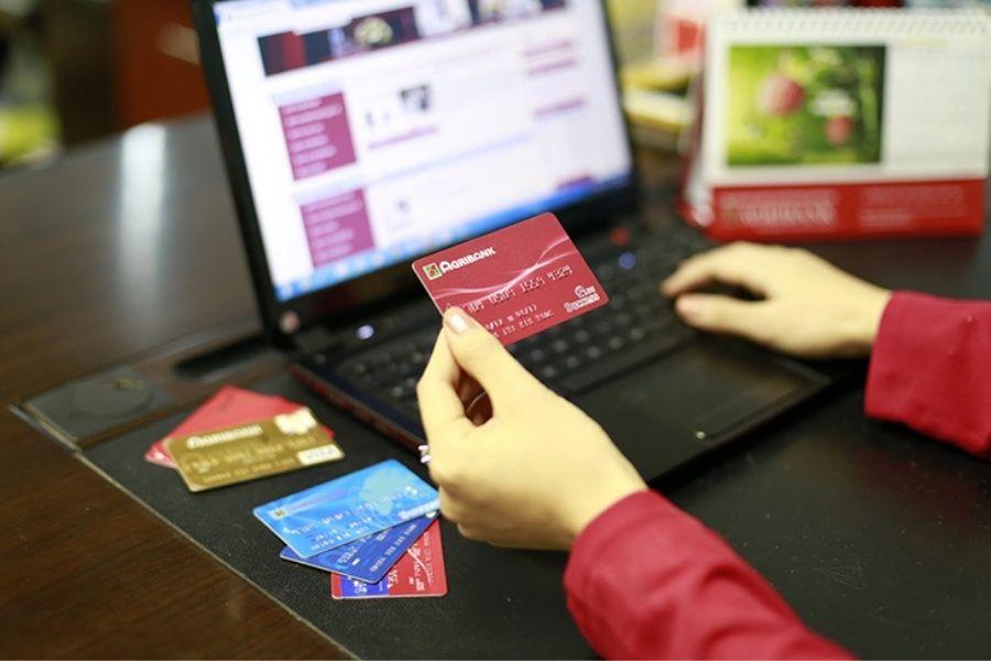 sản phẩm thẻ tại ngân hàng Agribank